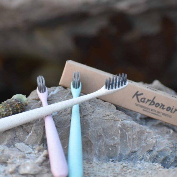 Zobne ščetke Karbonoir