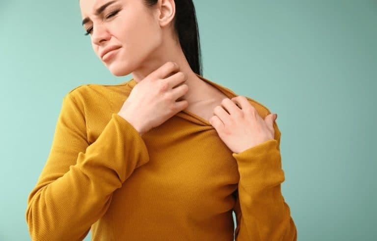 Praskanje in atopijski dermatitis